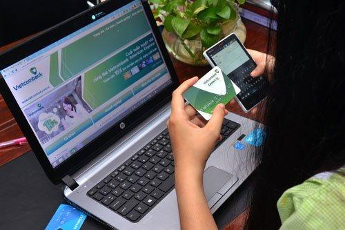 Kiểm tra số dư tài khoản Vietcombank bằng tin nhắn SMS