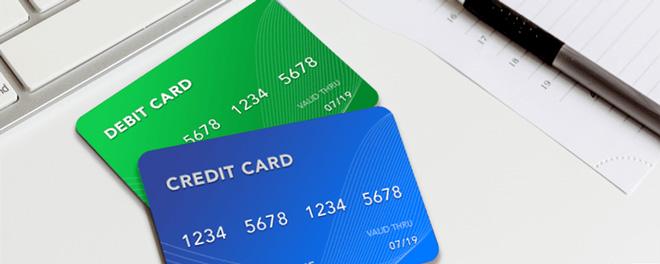 thẻ tín dụng và thẻ ghi nợ