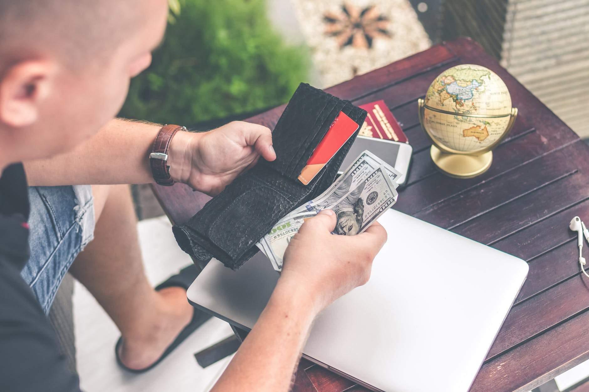 Đáo hạn thẻ tín dụng là hình thức bất hợp pháp