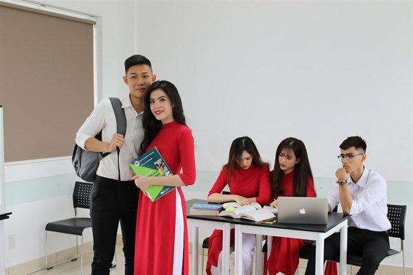 Tài Chính Ngân Hàng Ra Trường Làm Gì 2