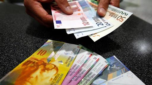 Thụy Sĩ thả nổi đồng franc gây chao đảo thị trường