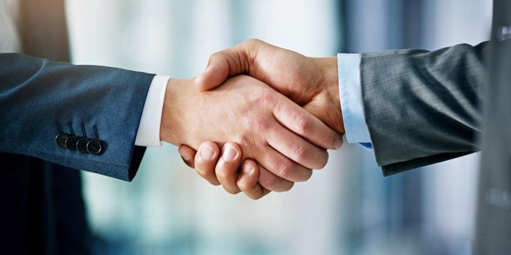 Hãy là nhà đầu tư thông thái và có cách chọn sàn Forex uy tín nhất.