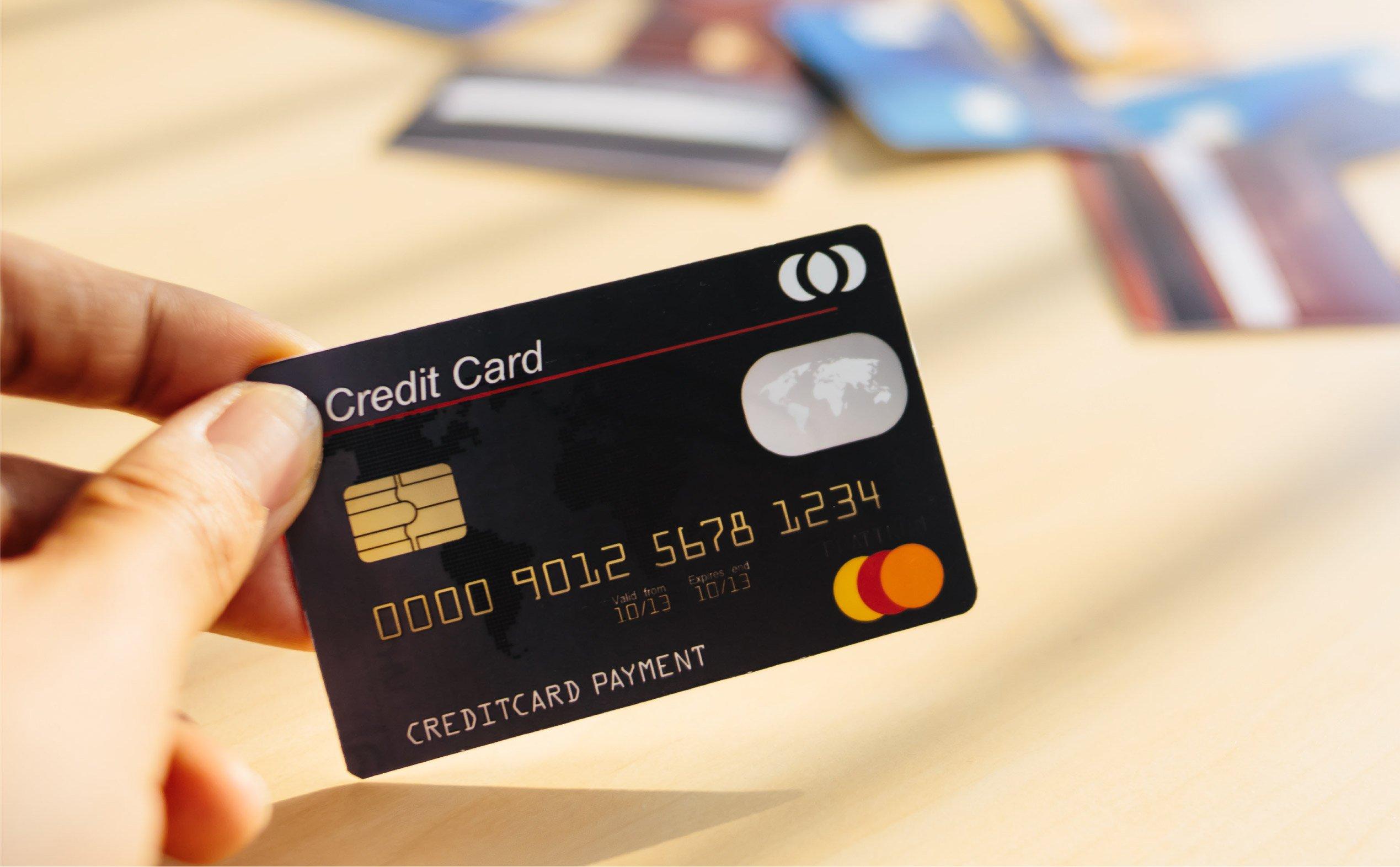 Những lợi thế cần biết khi sử dụng thẻ tín dụng