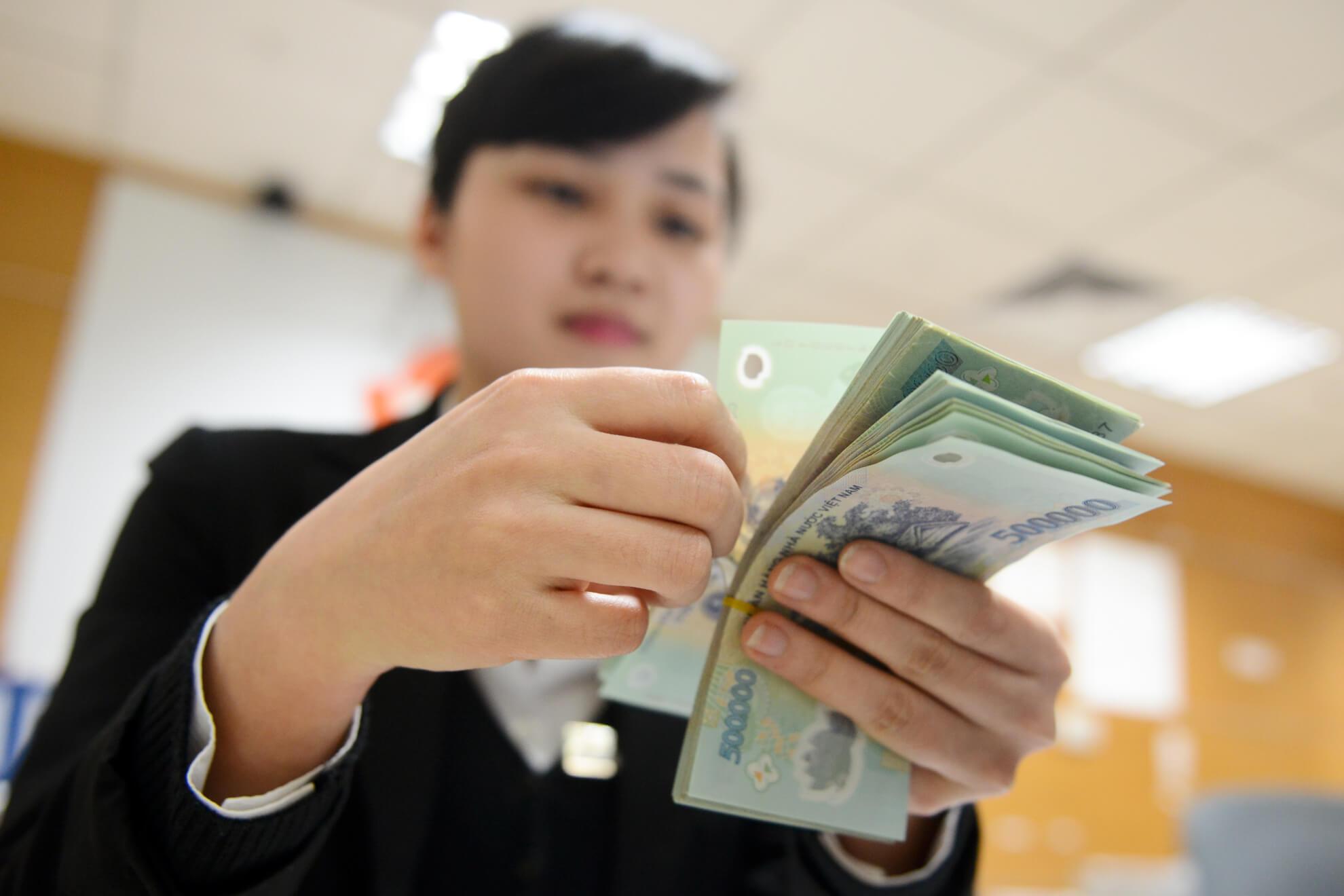 Lãi suất vay ngân hàng bạn cần biết