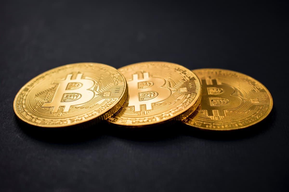 Dự Đoán Giá Bitcoin Trong Tương Lai (2025 - 2030) - Dũng Bùi