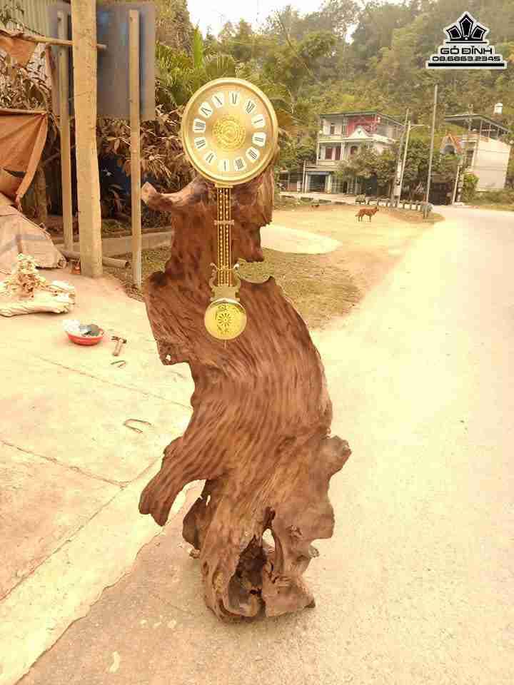 Đồng hồ gỗ lũa Xá Xị